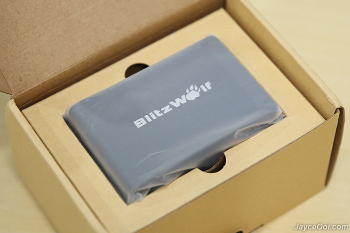 BlitzWolf-40W-Desktop-Charger_02