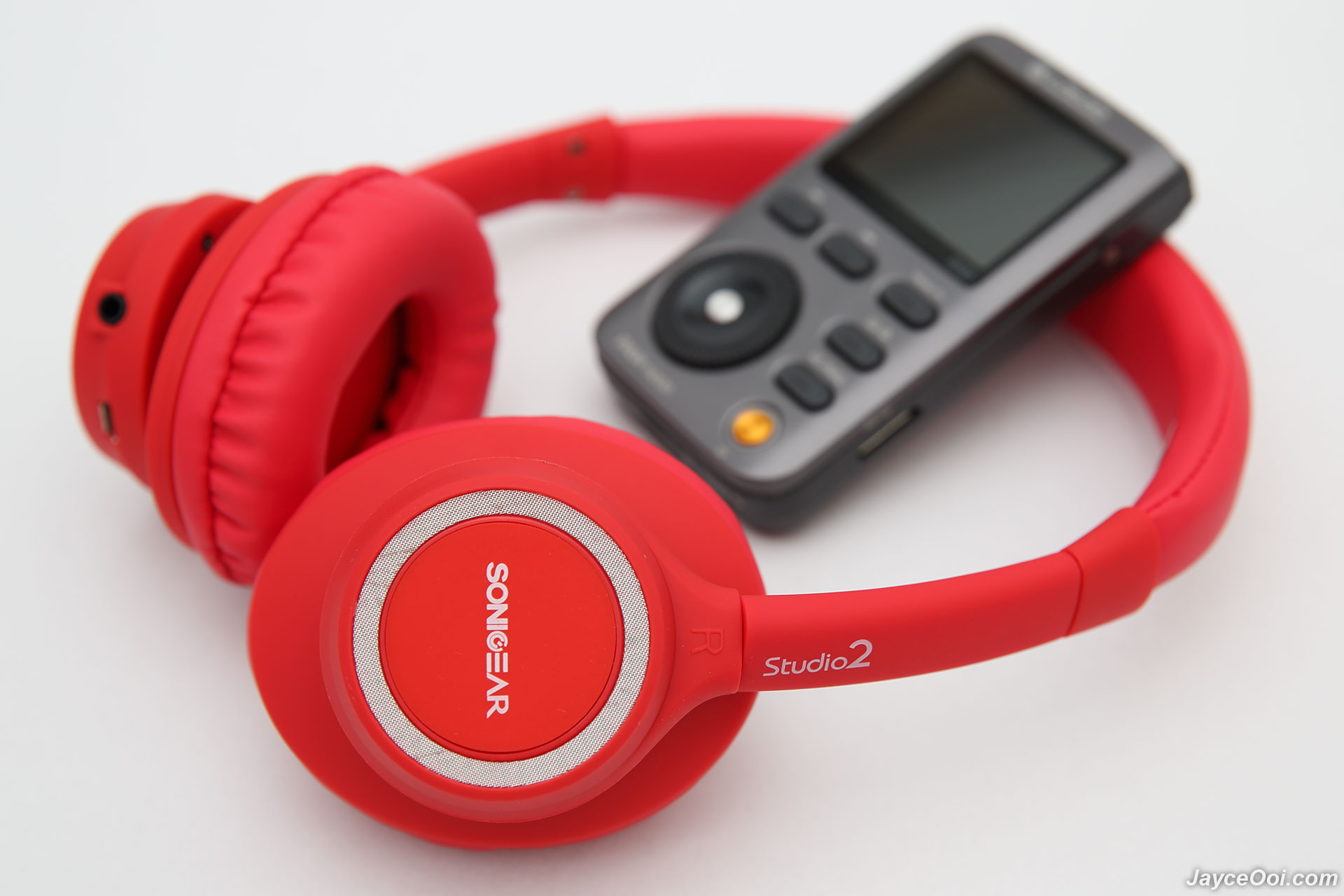 sonicgear studio 2 bluetooth headset review. Black Bedroom Furniture Sets. Home Design Ideas
